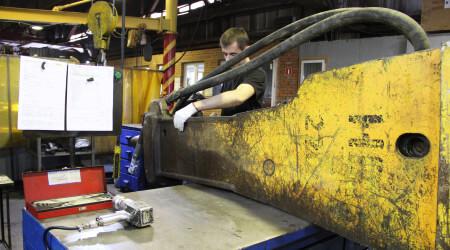 Ремонт дробильного оборудования в Гай дробилка для зерна granulat in kisinau